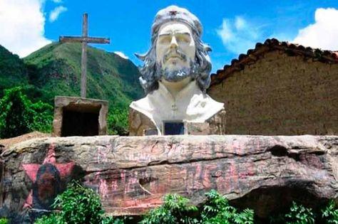 El monumento al Che erigido en Vallegrande, Santa Cruz.