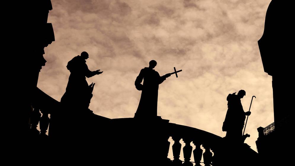Foto: El celibato obligatorio sigue protagonizando debates tanto dentro como fuera de la Iglesia. (iStock)