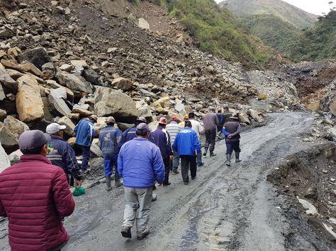 Mineros de la cooperativa Yani siguen con la labor de rescate del fallecido.