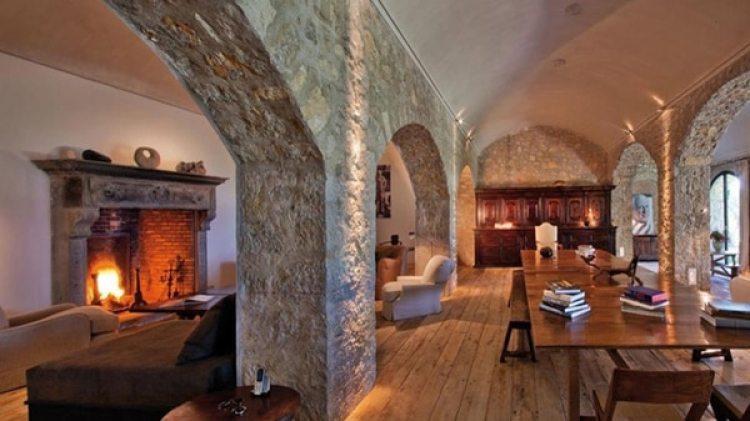 La vivienda fue diseñada por el mismísimo Picasso y construida debajo de la antigua capilla de Notre-Dame de Vie en Mougins