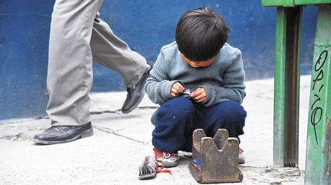 El maltrato en el hogar es la principal razón para que los menores escapen.