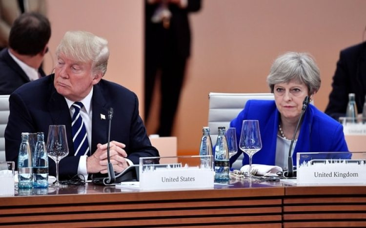 Donald Trump y Theresa May (Reuters)