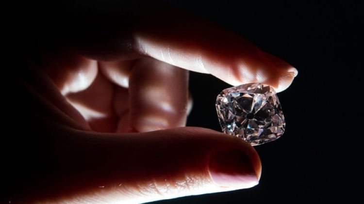 La subasta de la joya está programada para el 14 de noviembre próximo en la ciudad de Ginebra (AFP)