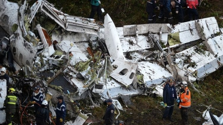 El avión en el que viajaba el Chapecoense se estrelló a pocos kilómetros del aeropuerto José María Córdova, de Medellín, a donde se dirigían para discutirla final de la Copa Sudamericana 2016 (AFP)