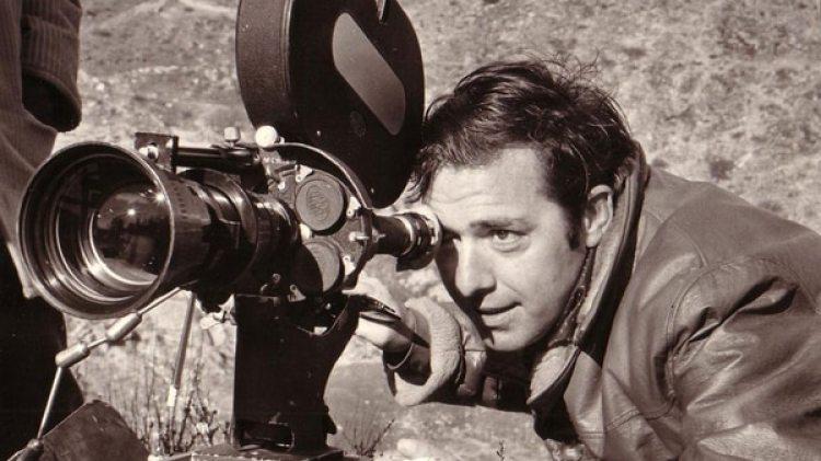 Lenzi, autor de más de sesenta películas rodadas entre los años sesenta y noventa, murió en el hospital romano de Grassi de Ostia al oeste de la capital, según informaron medios locales