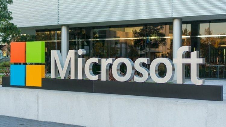 """Los centrosde Microsoft son""""hiper escala"""", puesmanejan más de 600.000 servidores y cada uno tiene un tamaño equivalente a 16 canchas de fútbol (Shutterstock.com)"""