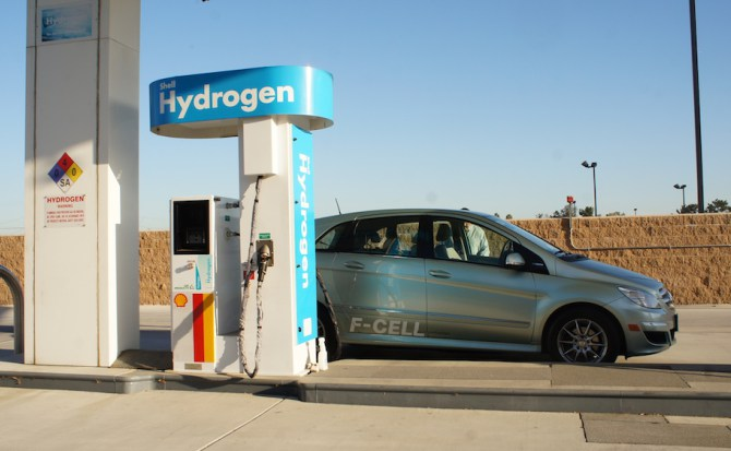 Un nuevo método permite obtener más hidrógeno con menos electricidad