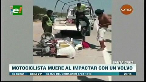 Motociclista muere tras chocar con un camión