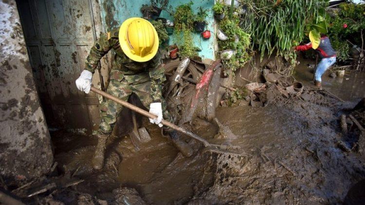 Las intensas lluvias provocaron una avalancha por es desbordamiento del río Paila (EFE)