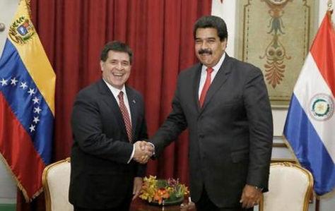 Cartes y Maduro en una cita en Asunción.