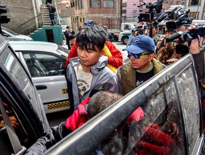 CIUDADANOS CHINOS FUERON SORPRENDIDOS EXPLOTANDO ORO DE MAYAYA DE MANERA ILEGAL, POR LO QUE LOS REMITIERON A CELDAS POLICIALES.