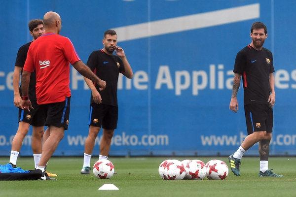 Image result for Messi entrenamiento barcelona