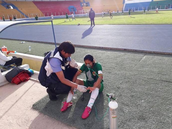 Prestan atenciones en actividades deportivas con el personal médico.