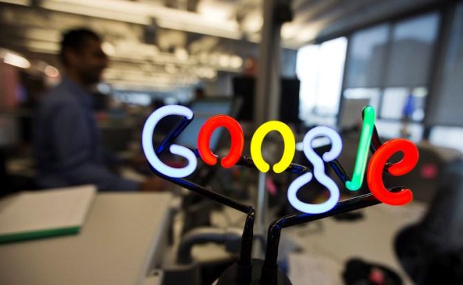 Google penalizará a 'Russia Today' y 'Sputnik' por publicar noticias falsas