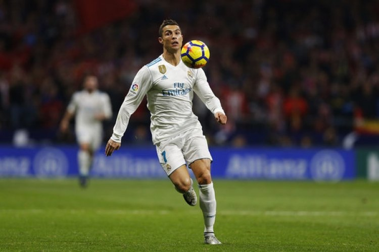 Ronaldo deberá ampliar su cochera (AP Photo/Francisco Seco)