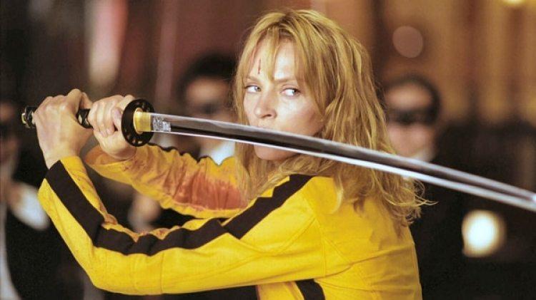 """Una Thruman interpretando el vengativo personaje de """"La Novia"""" en Kill Bill de Quentin Tarantino"""