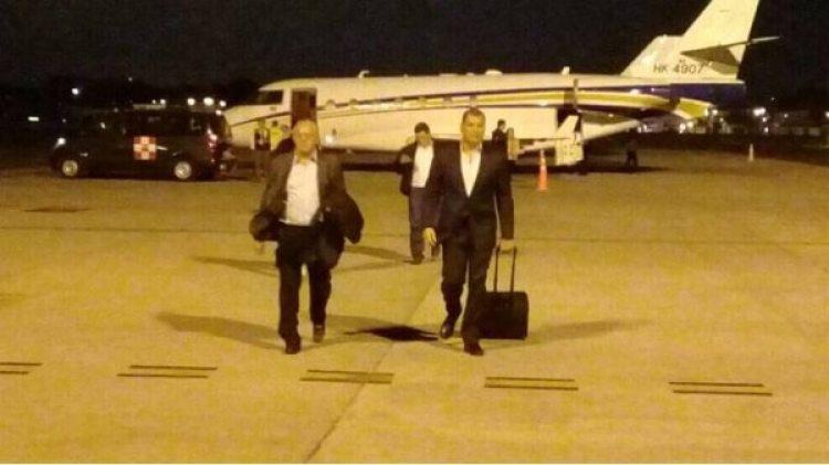Correa en su momento de llegada a Guayaquil. (El Universo)