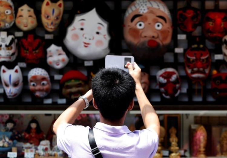 """Choque cultural. Los turistas chinos son acusados de """"maleducados"""" por los japoneses (Reuters)"""