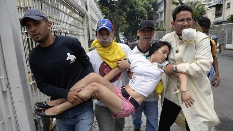 Más de 100 personas murieron y miles resultaron heridas por la represión chavista(AFP)