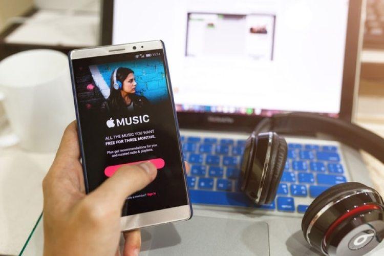 El streaming (62%) y las descargas digitales (19%) lideran la manera de consumir música