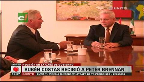 Brennan está reunido con el gobernador Rubén Costas en Santa Cruz