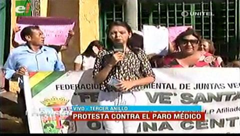 Vecinos protestan contra el paro médico