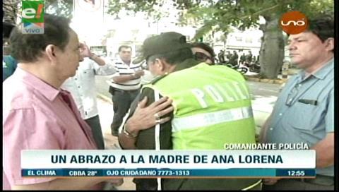 Caso Eurochronos: El abrazo del comandante policial a la madre de Ana Lorena Tórrez