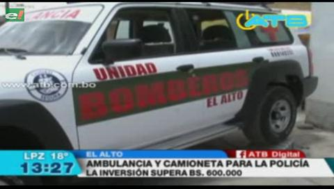 Alcaldía de El Alto entregó una ambulancia y una camioneta a la Policía