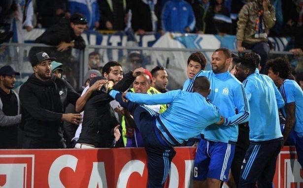 Evra despedido del Marsella por sanción FIFA
