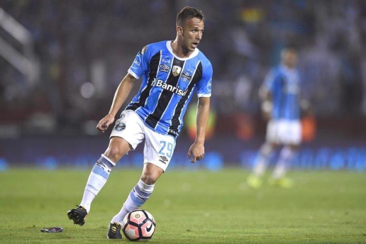 Arthur, mediocentro del Gremio, es uno de los mejores jugadores del continente y podría ser fichado por el Barcelona(Getty Images)