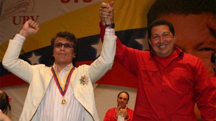 Durante su carrera, Chávez le entregó el premio Héroe Nacional (Prensa Miraflores)