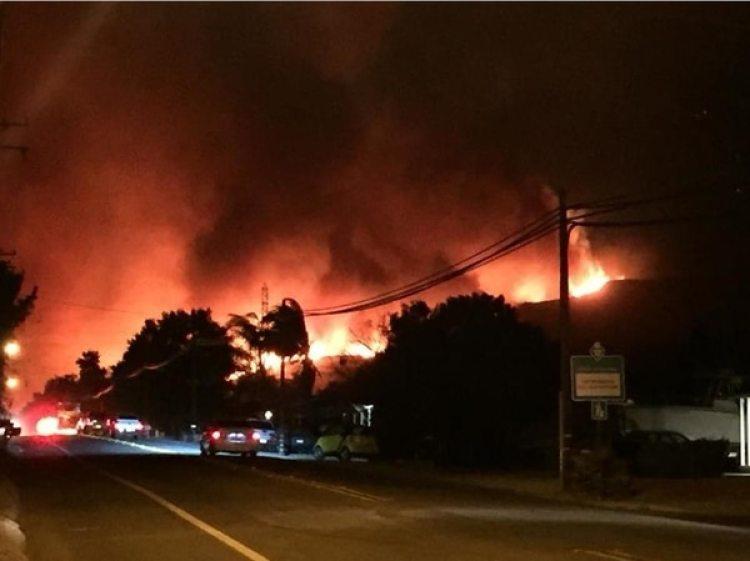 Los vientos, de unos 115 kilómetros por hora, provocaron una rápida propagación de las llamas