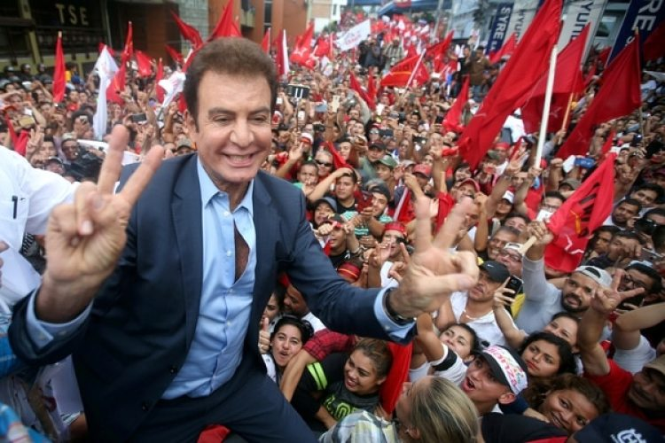 Salvador Nasralla (Reuters)
