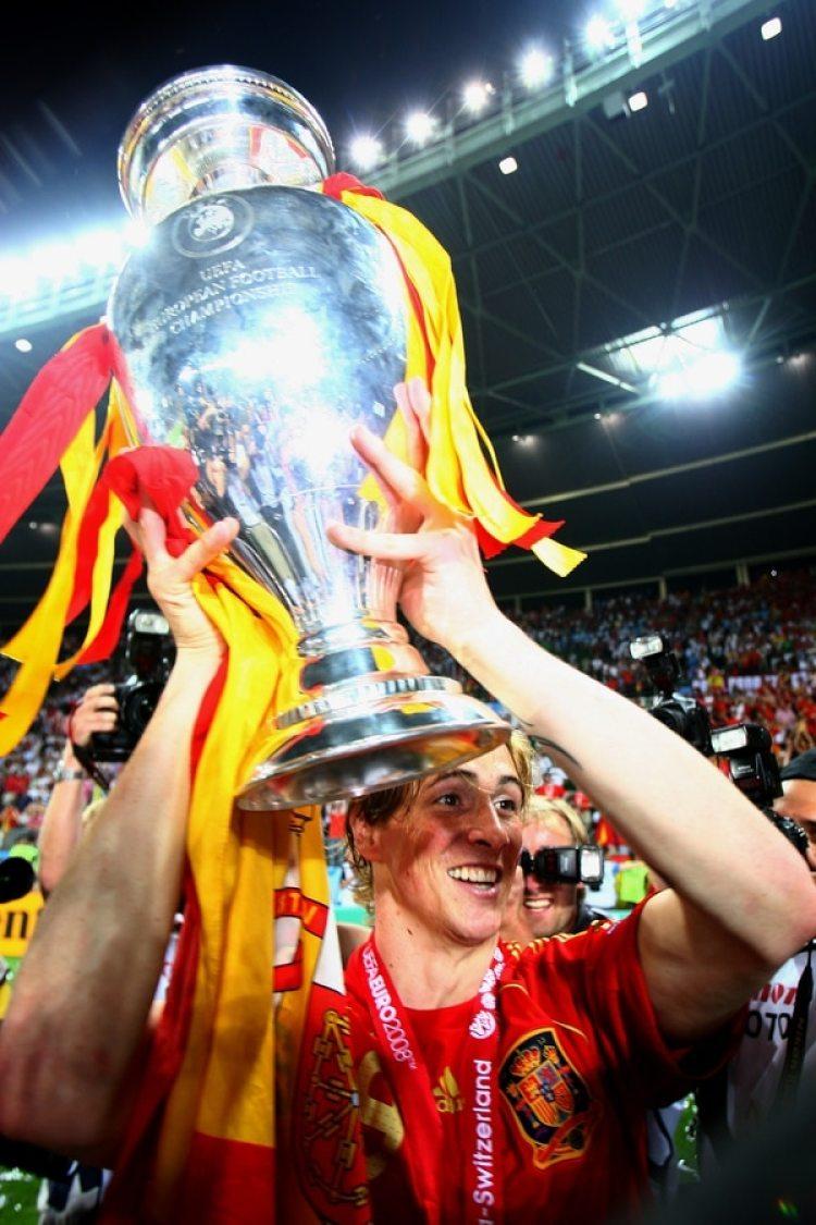 2008: Fernando Torres fue clave para que España gane la Eurocopa tras 44 años al anotar el gol del triunfo en la final ante Alemania (Getty)