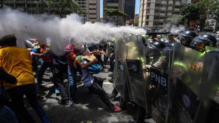 En 21 años, De Zayas ha sido el primero entre medio centenar relatores de la ONU especializados en distintas facetas de los derechos humanos en recibir la autorización de las autoridades para visitar Venezuela