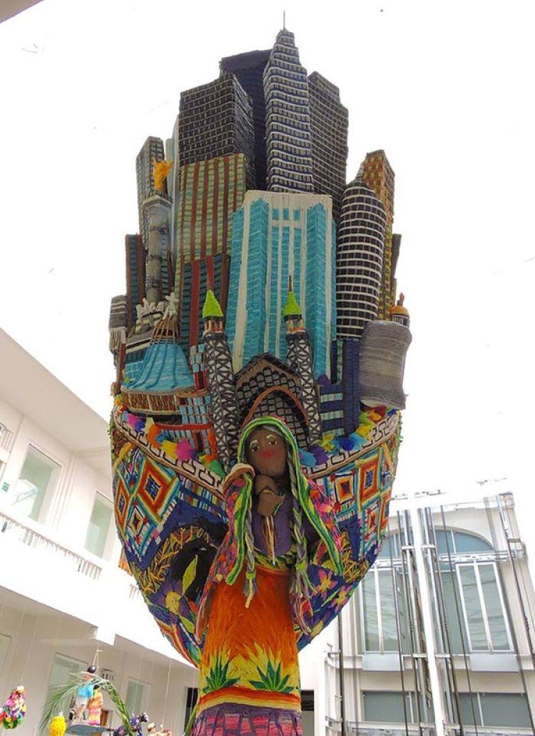 Piñata ganadora en el concurso 2017 del Museo de Arte Popular.