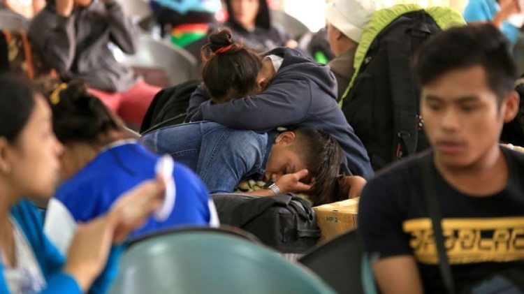 Hay cerca de 15.500 personas varadas por la cancelación de los ferrys que conectan el archipiélago (AFP)