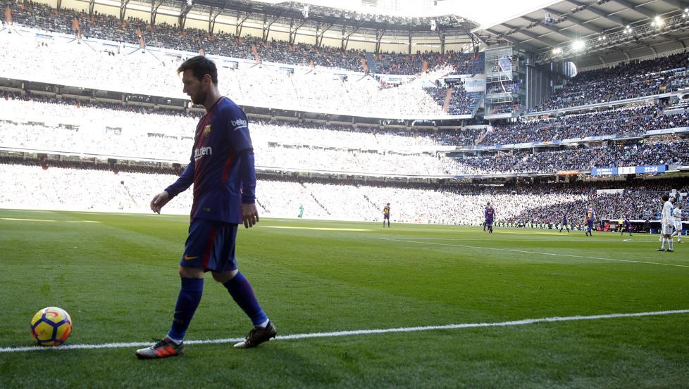 Leo Messi se paseó, literalmente, por el Santiago Bernabéu