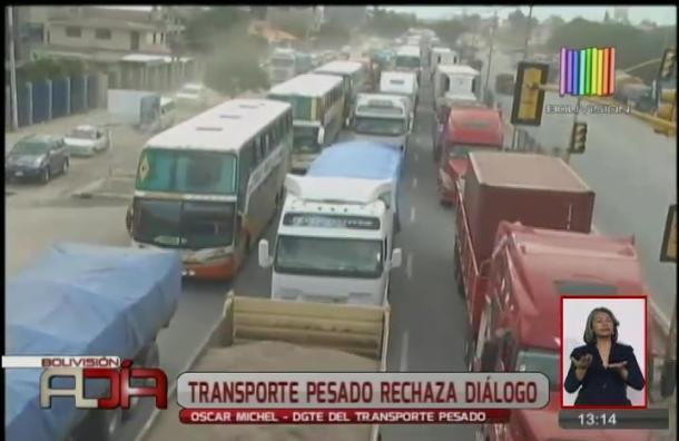 Transporte pesado rechaza diálogo con el gobierno
