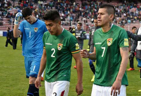 Lampe (izq.), Saavedra (centro) y Arce d ela selección nacional. Foto: Archivo La Razón