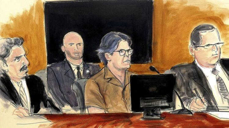 En una corte de Nueva York, Keith Raniere enfrenta el proceso penal en su contra. (AP)