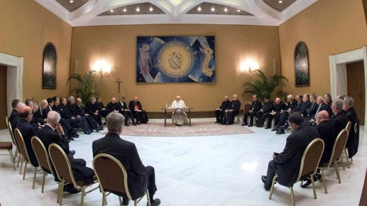 El papa Francisco reunido con los obispos chilenos (EFE)