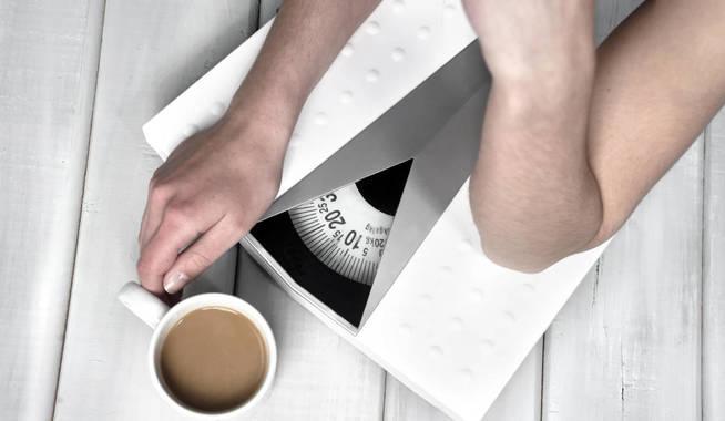 La báscula, siempre presente en dietas