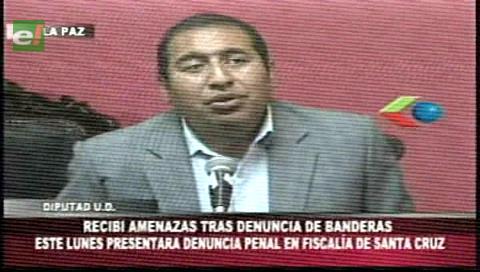 Santamaría denuncia que recibe amedrentamiento