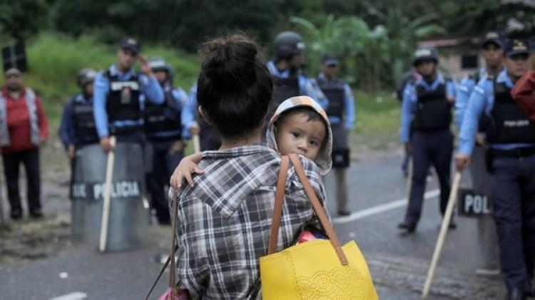 La caravana partió de Honduras y pretende ingresar a EEUU (REUTERS/Jorge Cabrera)