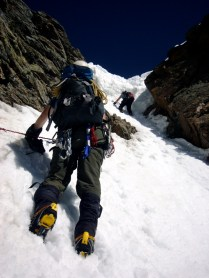 Scott moves in to do battle with the cornice (photo by Fabio).