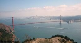 El Golden Gate majestuoso frente a la bella ciudad de San Francisco.