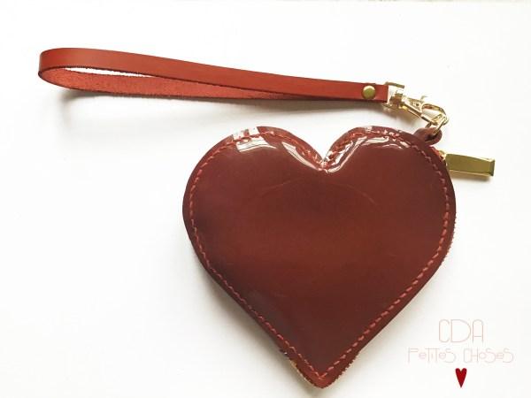 Trousse cuir vernis lisse rouge forme coeur CDA Petites Choses