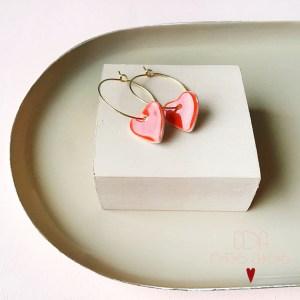 Boucles d oreille creoles en porcelaine mini coeur rouges CDA Petites Choses