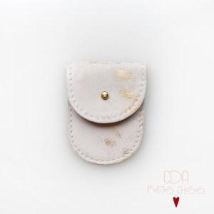 mini-pochette-en-cuir-blanc-et-or-1 CDA Petites Choses